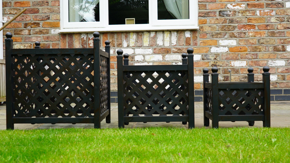 Set of 3 planters – small, medium and large